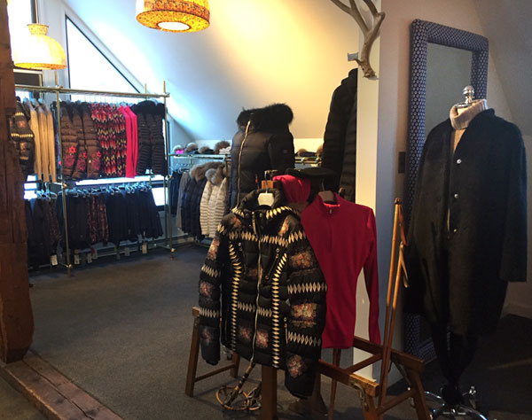 Sportive sells ski sweaters, ski jackets and down coats from Bogner, Dale of Norway, Sportalm Kitzbühel, Toni Sailer, Kjus, Kinross